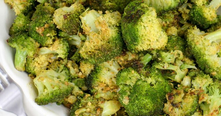 Cheezy Vegan Garlic Roasted Broccoli