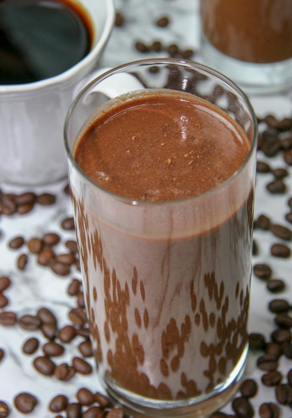 closeup of a glass of spiced mocha smoothie