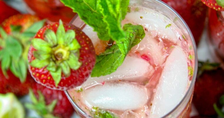 Skinny Summer Strawberry Mojito
